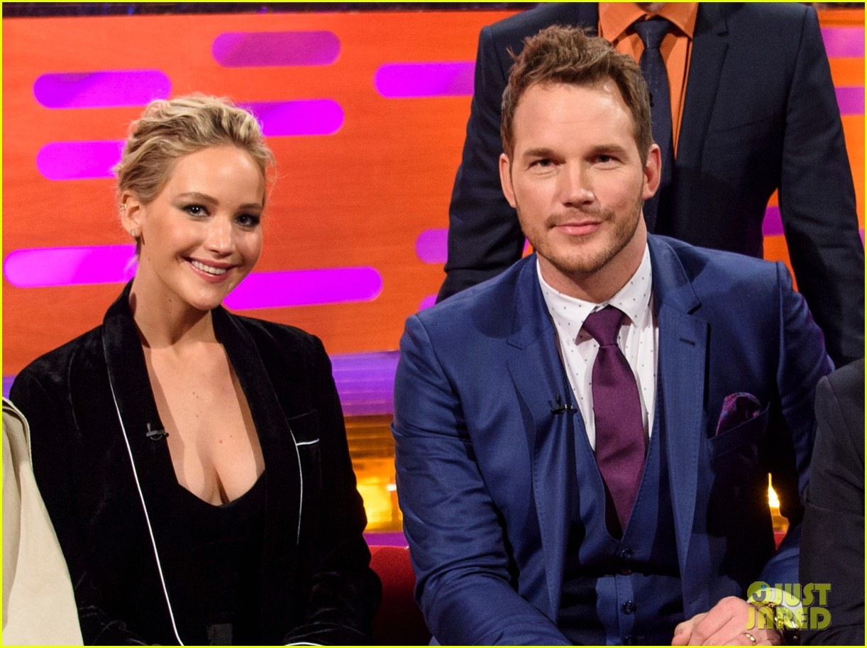 jennifer lawrence steps out in london after chris pratt pranks her even more 01
