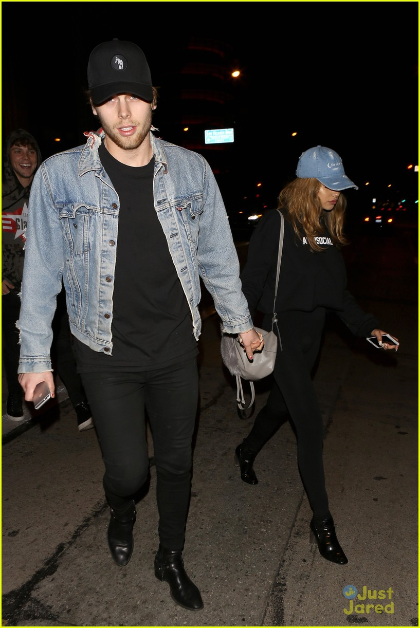 luke and arzaylea still dating It looks like luke hemmings of 5sos is not serious in his relationship with girlfriend arzaylea reports claim that the couple have reportedly decided to go separate ways.