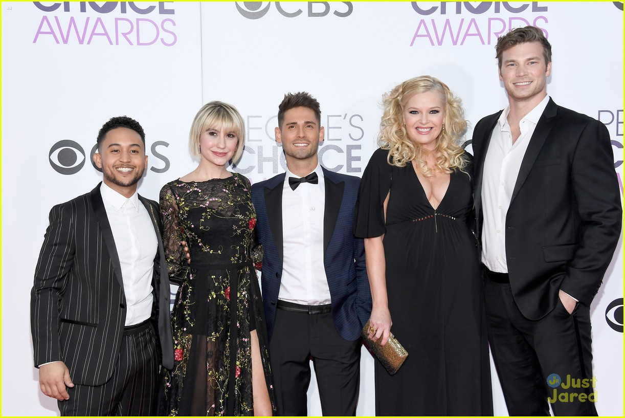 baby daddy cast wins peoples choice awards 01