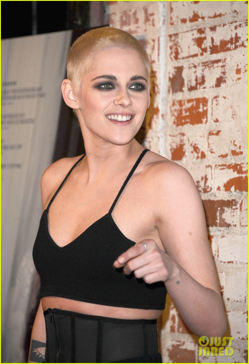 kristen stewart shaves her head bleaches hair blonde 03