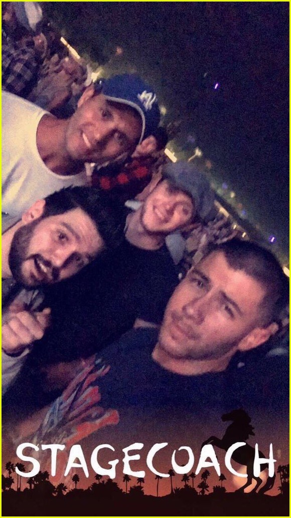 Nick Jonas & Niall Horan Hang With Dan + Shay At ...