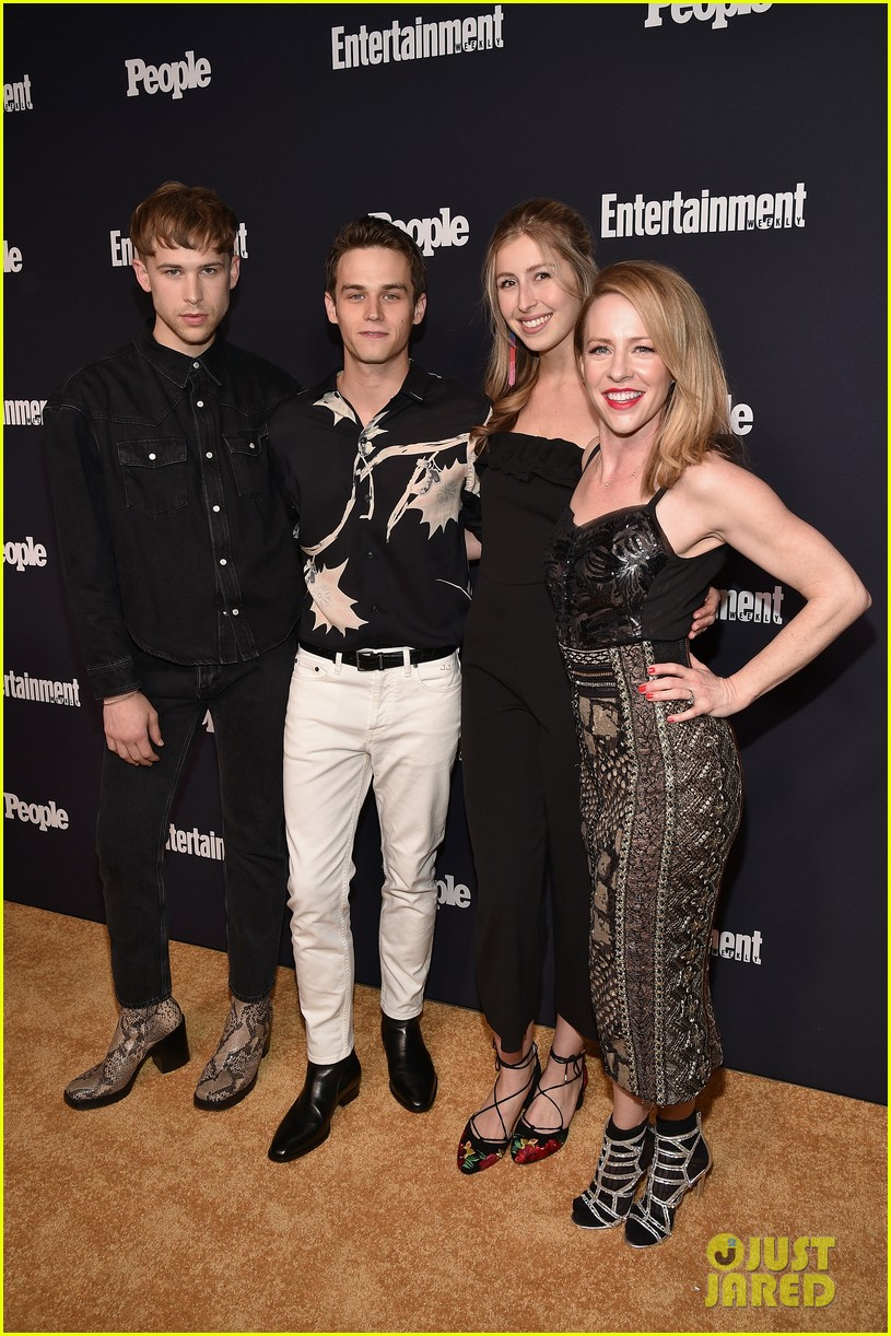 13 reasons why riverdale ew people upfronts party 03