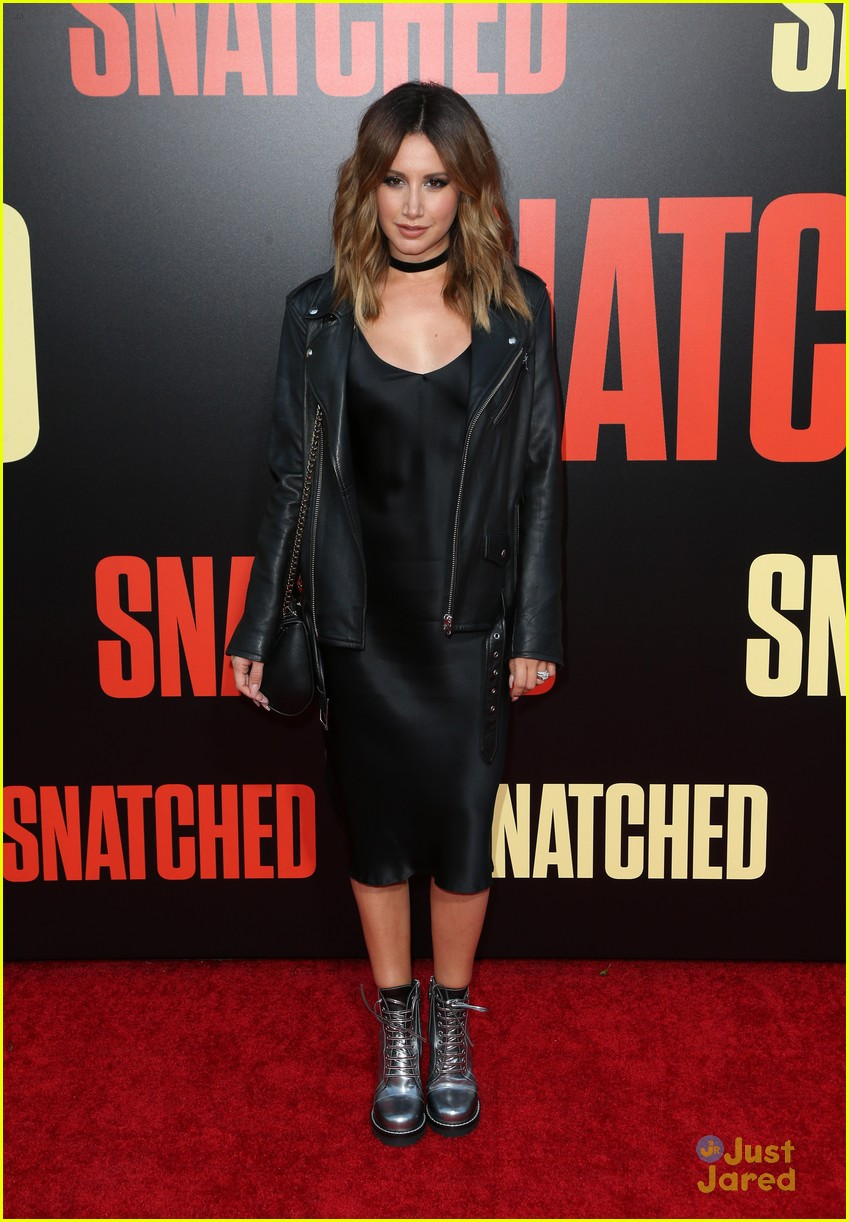 ashley tisdale lashes launch snatched premiere 01