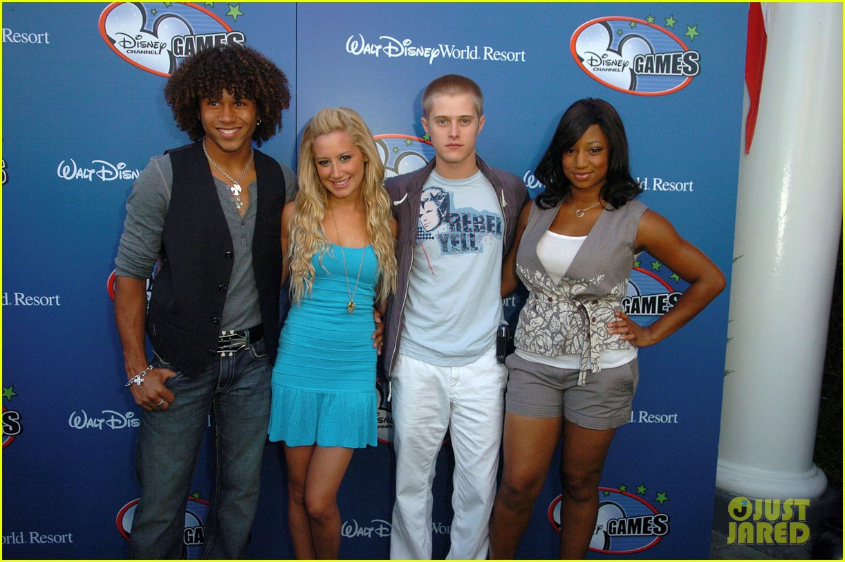 ashley tisdale lucas grabeel hated each other during high school musical days 01