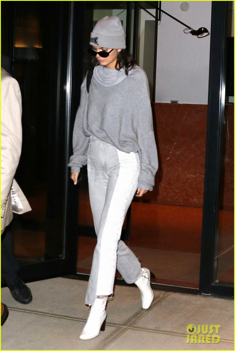 kendall jenner heads to dinner with gigi bella hadid01