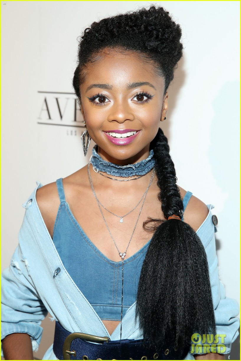 exclusive skai jackson writes sweet letter to mom for jjjs motehrs day series 01