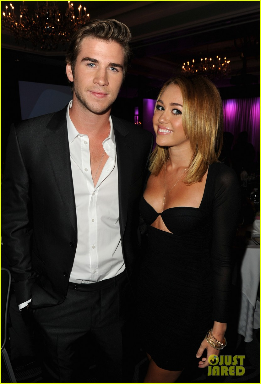 miley cyrus mom tish talks liam hemsworth wedding plans 02