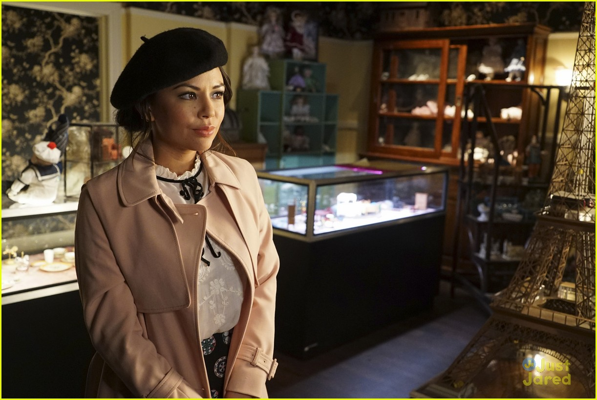 janel parrish mona perfect ending pll 01