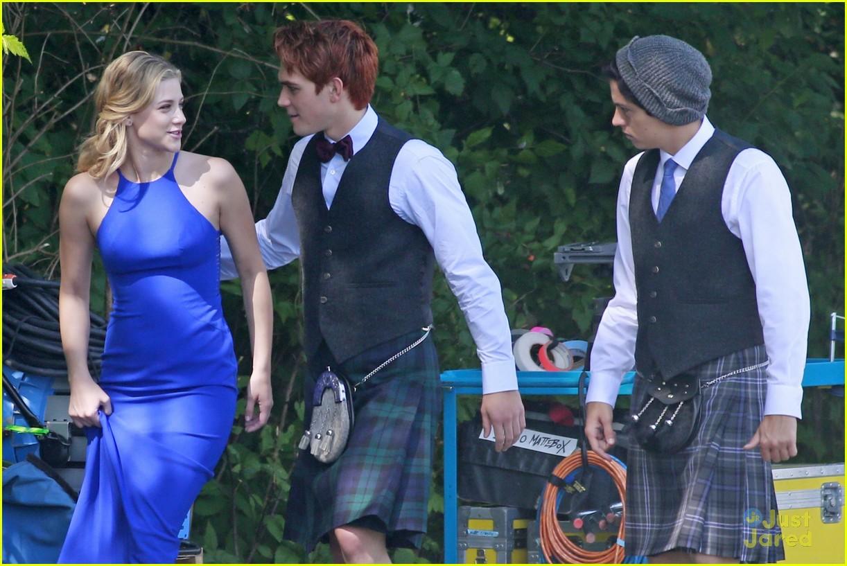 riverdale wedding photos set spoilers 25