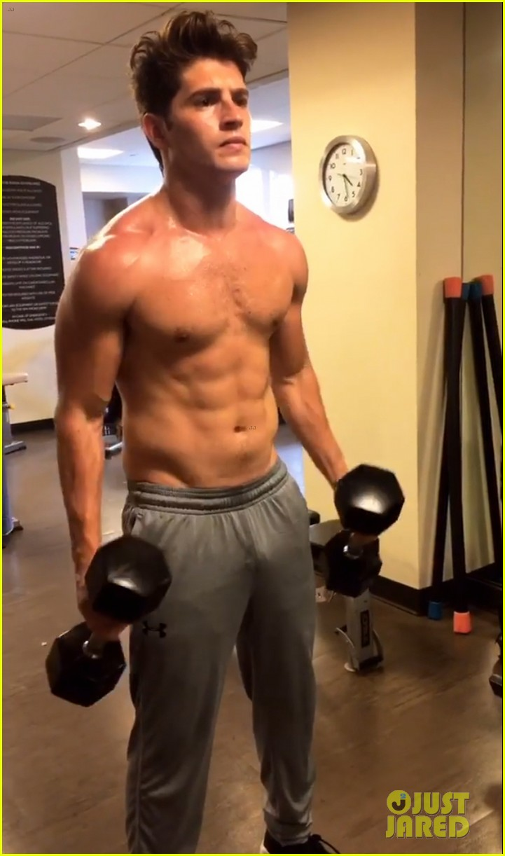 Gregg Sulkin Looks Super Hot in These Workout Pics ... Ryan Phillippe Today