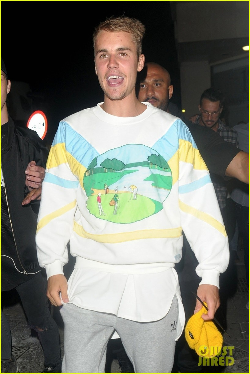 justin bieber hits the town for a night out03