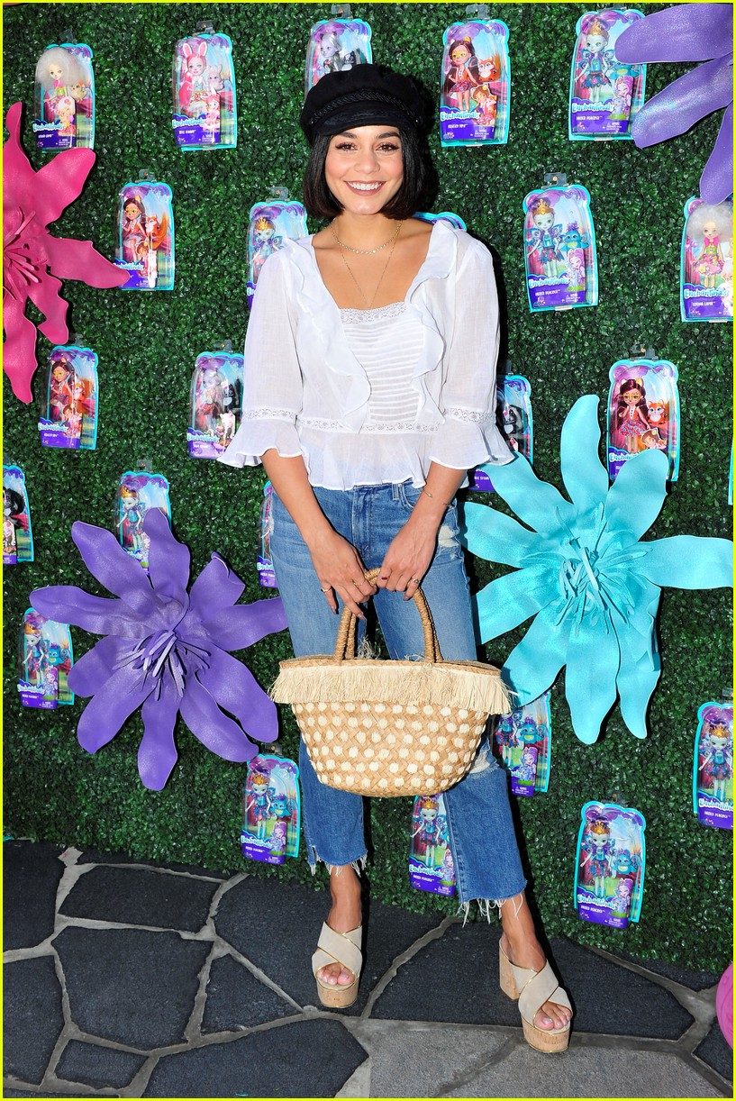 vanessa hudgens snaps selfies with fans at toy launch 01