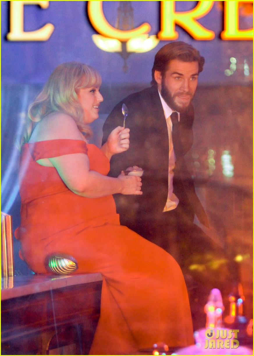 rebel wilson and liam hemsworth get glam for last night of isnt it romantic filming 04