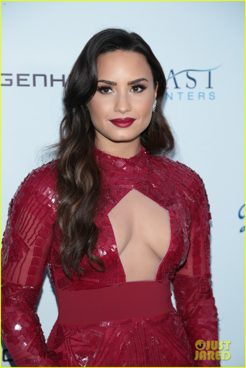 demi lovato spirit of sobriety 03