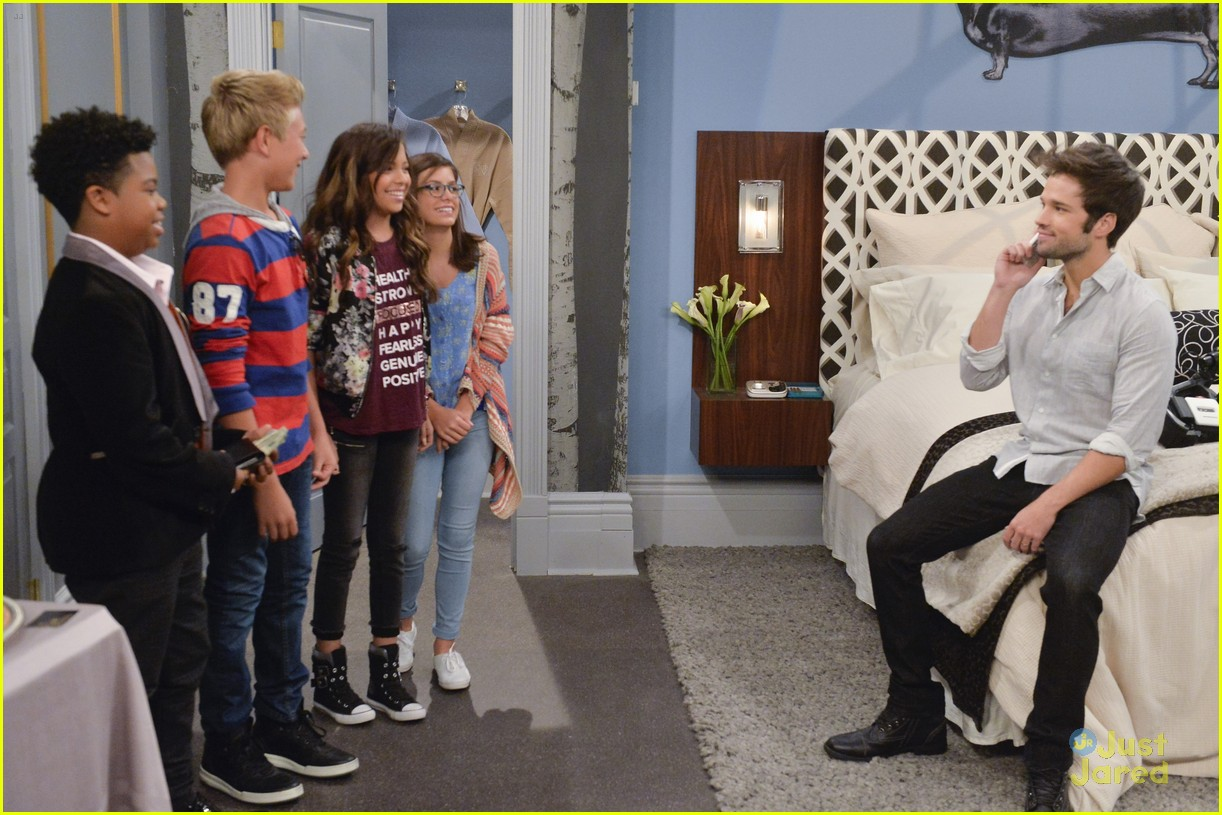 nathan kress freddie benson game shakers 05