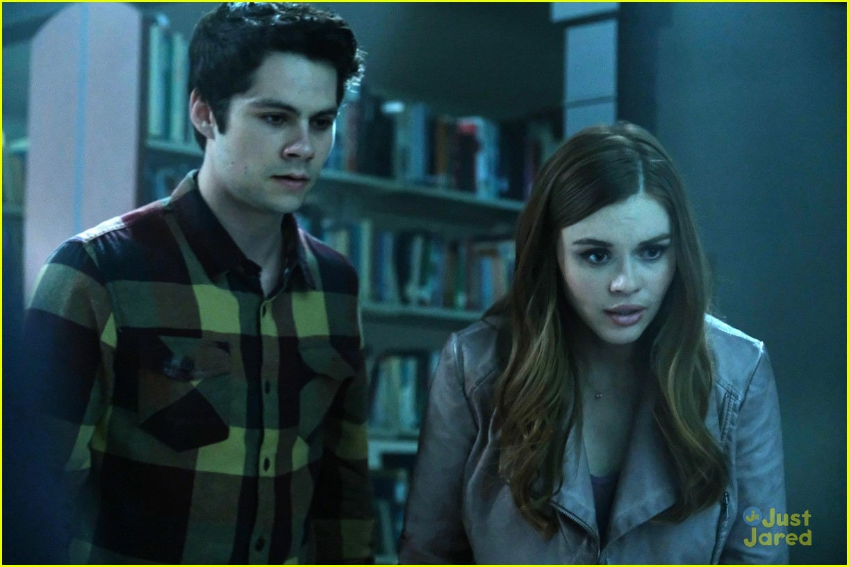 tyler posey help writing finale teen wolf pics 02
