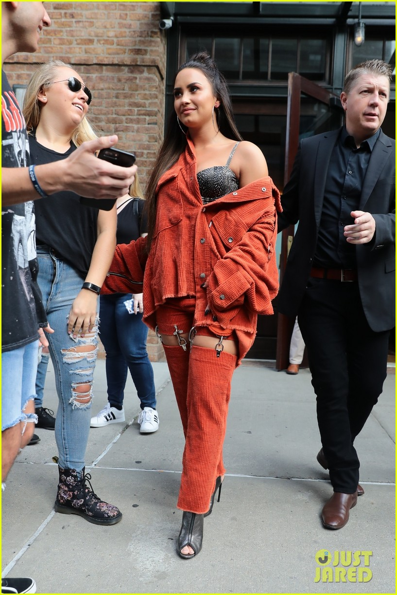 demi lovato rocks her red hot street style while out in nyc 04