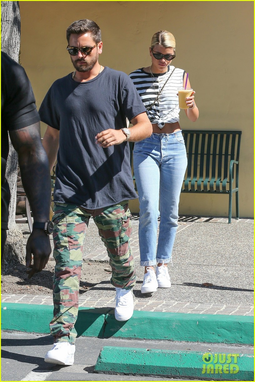 scott disick sofia richie grab coffee before flying out of town 03