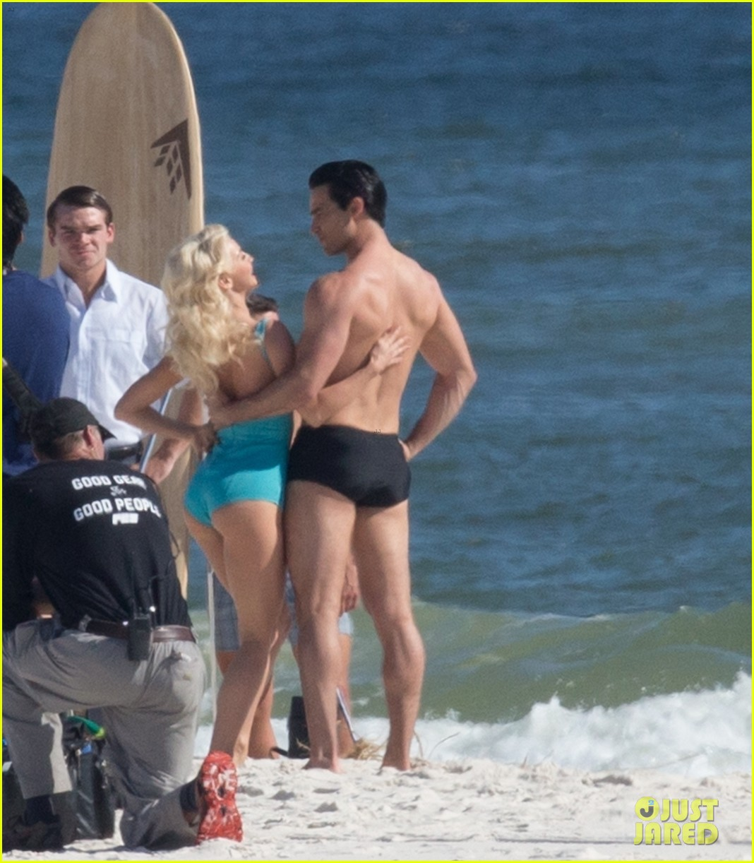 tyler hoechlin wears tiny swimsuit for bigger beach scene julianne hough 05
