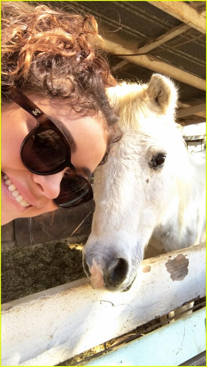 sarah hyland wells adams horseback riding date 06