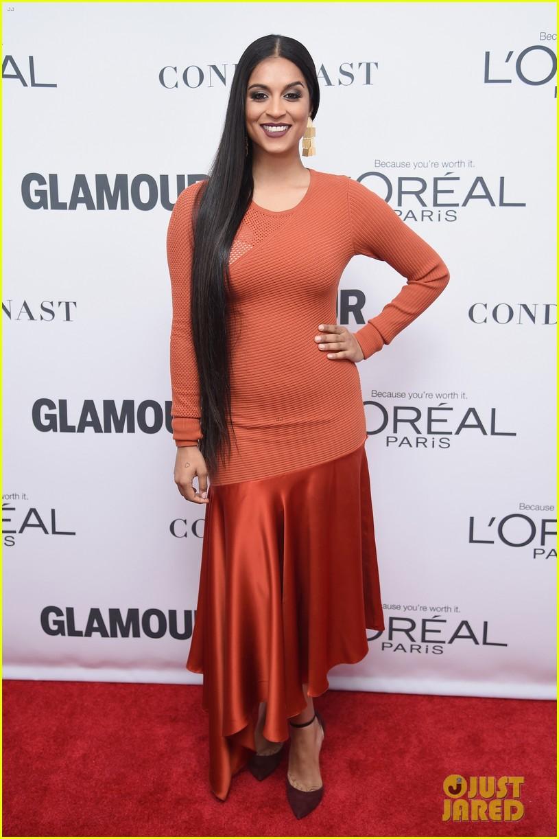 nick jonas and zendaya look sharp at glamours women of the year awards 2017 11