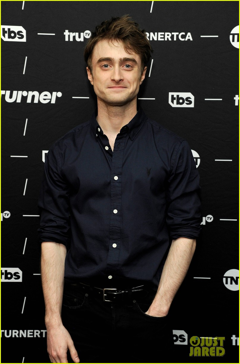 daniel radcliffe and steve buscemi bring miracle workers to winter tca tour 2018 04
